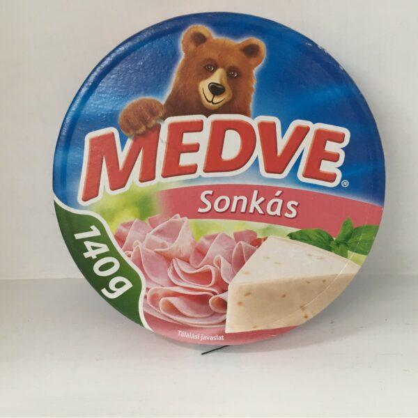 Medve Kockasajt Sonkás 140g – Cheese triangle ham