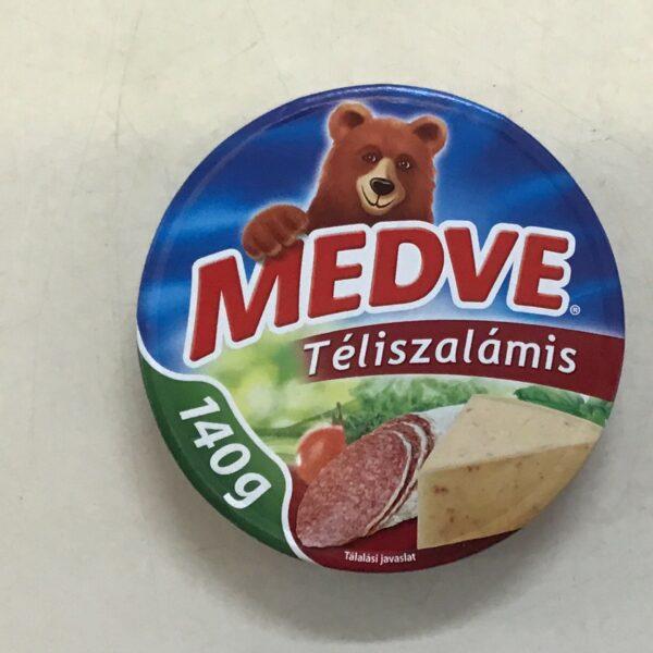 Medve Kockasajt Téliszalámis 140g – Cheese triangle salami