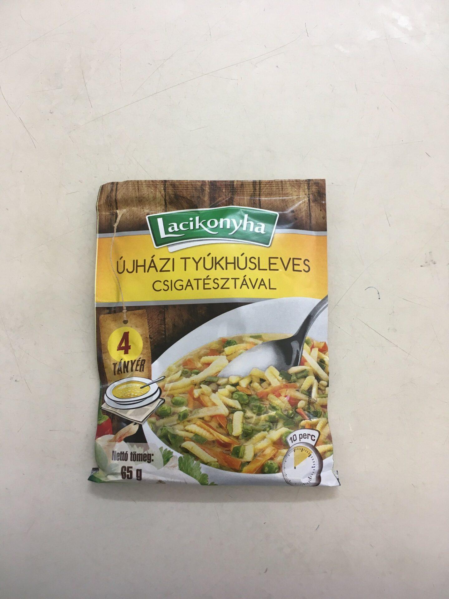 Újházy Tyúkhúsleves csigatésztával Lacikonyha – Chicken soup sachet