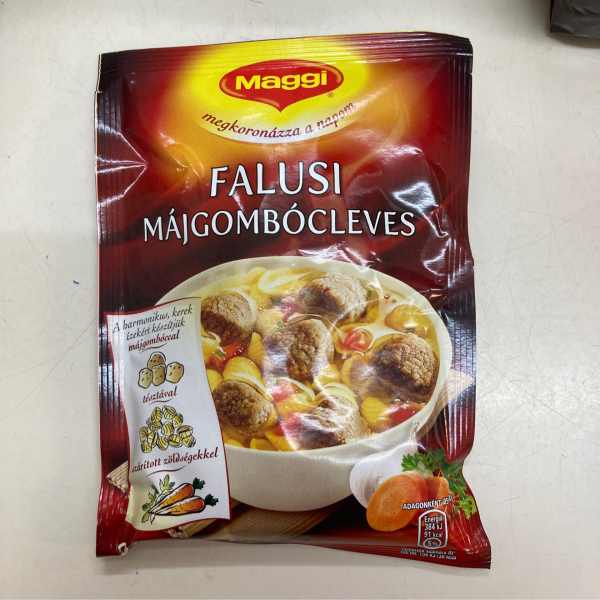 Falusi májgombócleves Maggi – Liverball soup