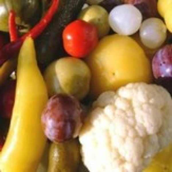 Darabos vegyes savanyúság Vödörben Fazekas 650g – Pickled mixed vegetables
